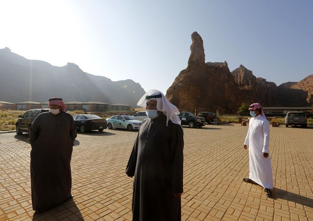 Kuveyt'te arabada aşı hizmeti başladı