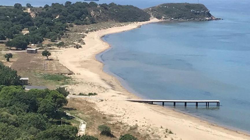 Tarihi Troya savaşının başladığı ve bittiği nokta olarak gösterilen ve Troya Tarihi Milli Parkı sınırları içinde kalan Çanakkale Ezine'ye bağlı Yeniköy Sahili, özel firmaya kiralandı.