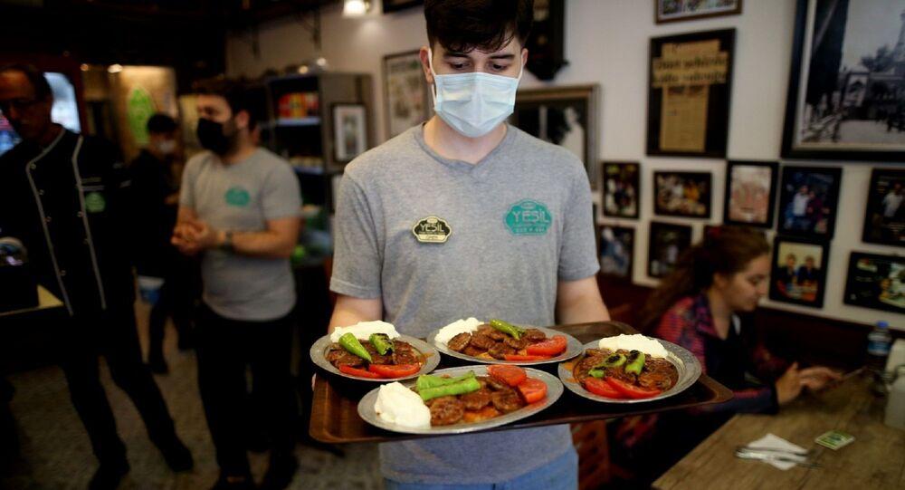 Lokanta – restoran – normalleşme – maske – yeme-içme