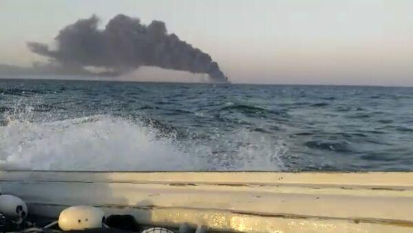 Umman Denizi'nde batan İran gemisinde 33 mürettebat yaralandı - Sputnik Türkiye