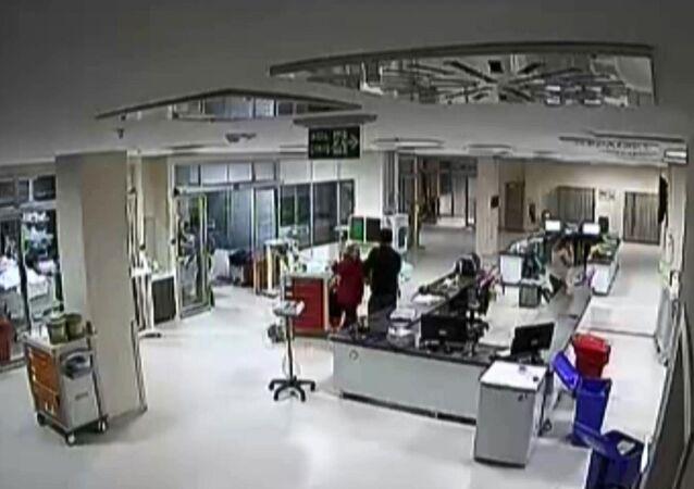 Doktor ve hemşirelere saldırı