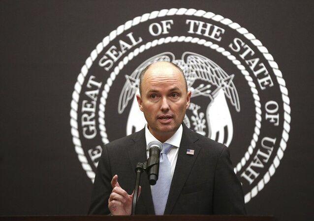 Utah eyaleti Valisi Spencer Cox