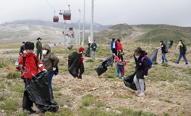 Erciyes'te, 4.3 ton çöp toplandı