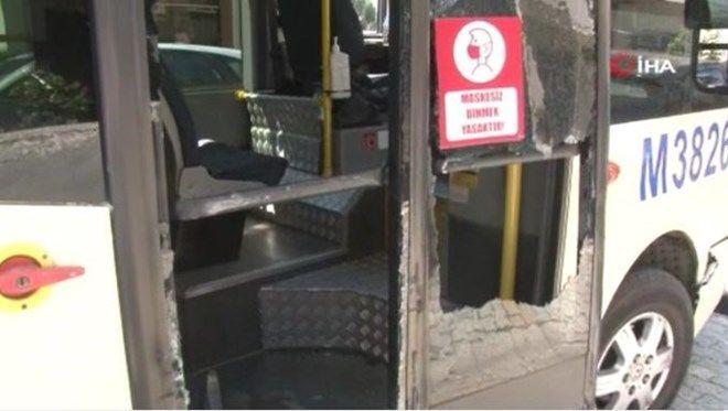 Gasp edilmek istenen minibüs şoförü, saldırganlardan kurtulmaya çalışırken 11 araca çarptı