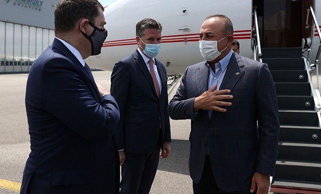 Dışişleri Bakanı Çavuşoğlu, Paris'e gitti