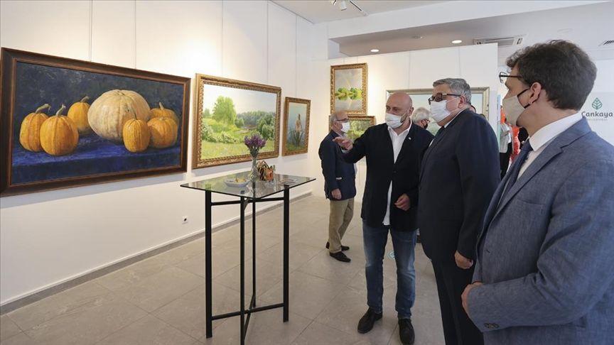 Rus ressamların eserleri Ankara'da sergilendi