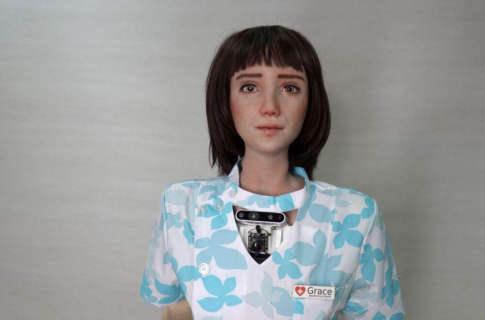Koronavirüs vakalarının teşhisi için yapay zekadan yararlanan robot Grace, İngilizce, Mandarin dili ve Kantonca dillerini biliyor.