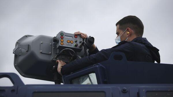 Yunanistan, Türkiye ile kara sınırınaMeriç Nehri'nden göçmen gelişini engellemek üzere ses topu da denilen Uzun Menzilli Aktif Akustik Uyarıcı (LRAD) sistemleri konuşlandırdı. - Sputnik Türkiye