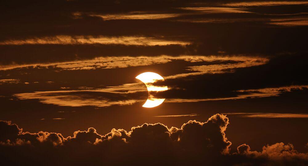 ateş çemberi / güneş tutulması 2021