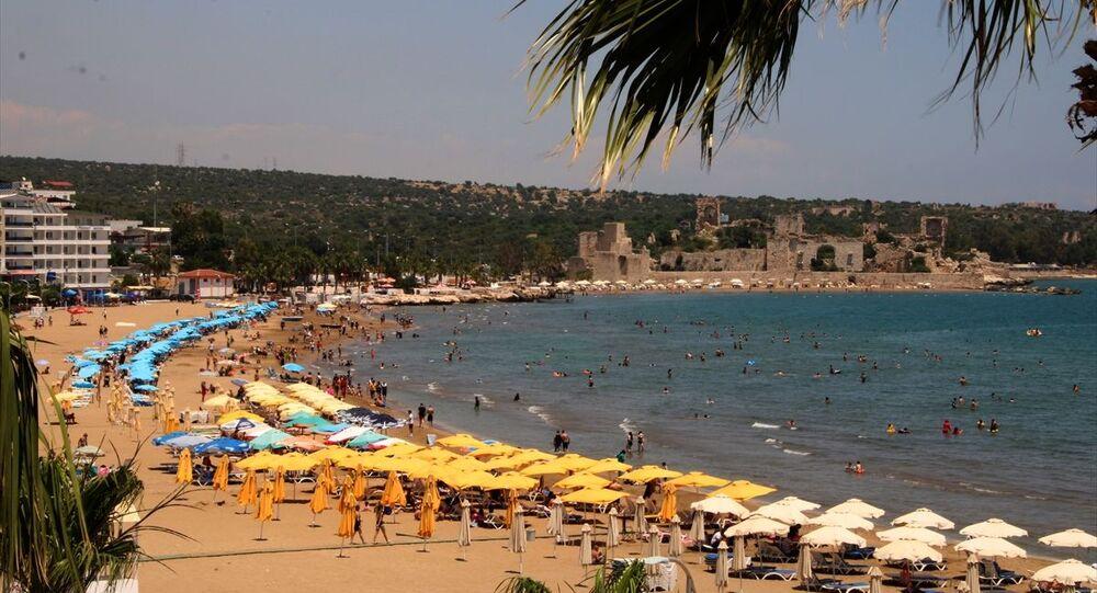 Mersin'deki Kızkalesi turist plaj