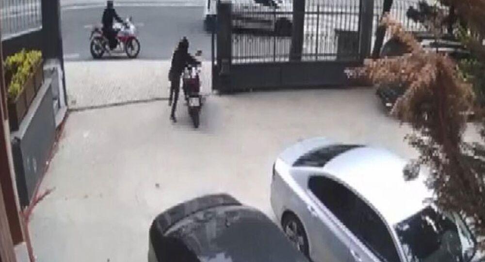 Çalıntı motosikletle başka motosiklet çaldılar