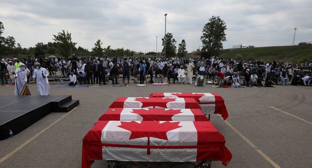 Kanada'da öldürülen Müslüman aile için cenaze töreni düzenlendi