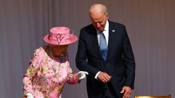 ABD Başkanı Biden: Kraliçe bana annemi hatırlattı - Sputnik Türkiye