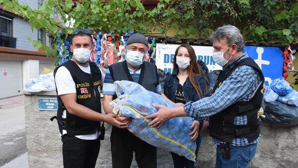 Dede ve torunun mavi kapaklarını çalan şüpheli yakalandı - Sputnik Türkiye