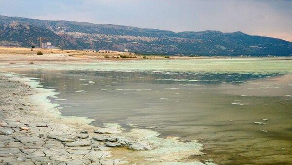 Burdur Gölü'nün rengi değişti - Sputnik Türkiye