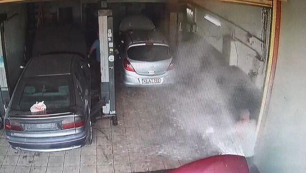 Hararet yapan otomobil sanayide patladı - Sputnik Türkiye
