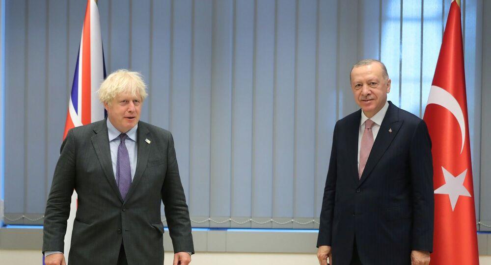 Erdoğan ve Johnson, NATO Zirvesi kapsamında NATO Karargahı'nda görüşme gerçekleştirdi.