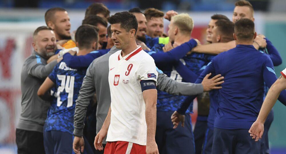 EURO 2020 E Grubu maçında Slovakya, Polonya'yı 2-1 mağlup etti