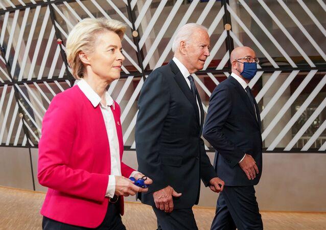 ABD Başkanı Joe Biden ile AB Konseyi Başkanı Charles Michel ve AB Komisyonu Başkanı Ursula von der Leyen arasında Belçika'nın başkenti Brüksel'de düzenlenen AB-ABD Zirvesi