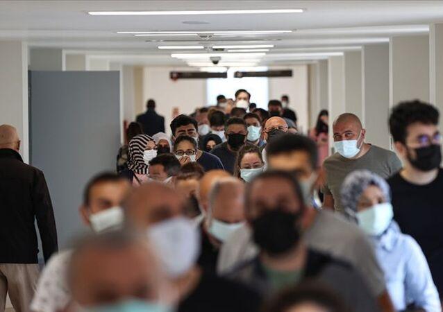 İstanbul'da salgın boyunca bir günde en yüksek doz aşılama oranına erişildi