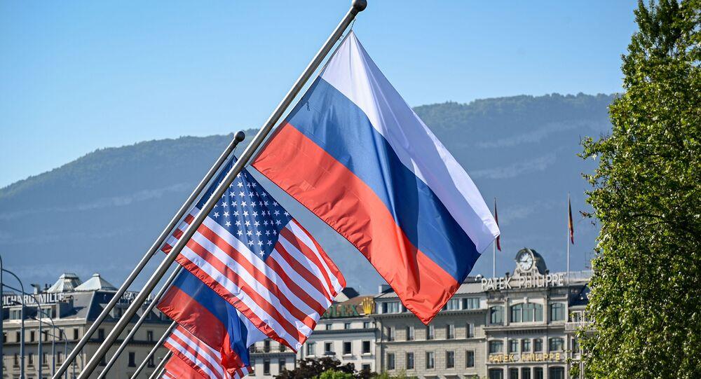 Rusya- ABD bayrakları