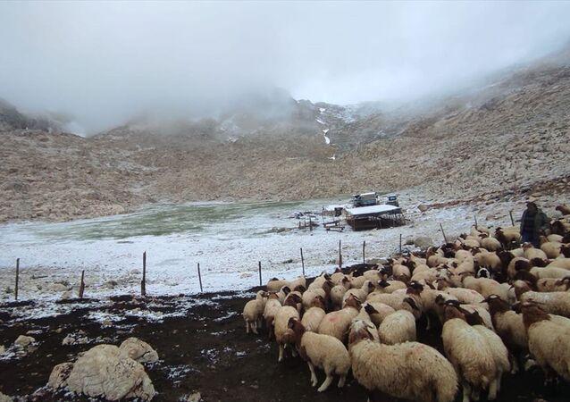 Antalya Kaş'ta haziran ayında kar yağışı sürprizi