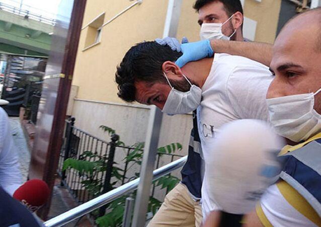 Şişli Maçka Demokrasi Parkı'nda 'laf atma' tartışmasında psikiyatri asistanının boğazını kırık cam şişesiyle keserek, ağır yaraladığı iddiasıyla hakkında 15 yıla kadar hapis cezası istenen tutuklu sanık Emrah Danışman