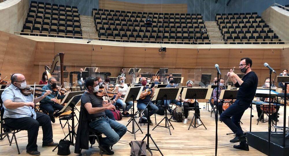 Cumhurbaşkanlığı Senfoni Orkestrası Şefi Cemi'i Can Deliorman