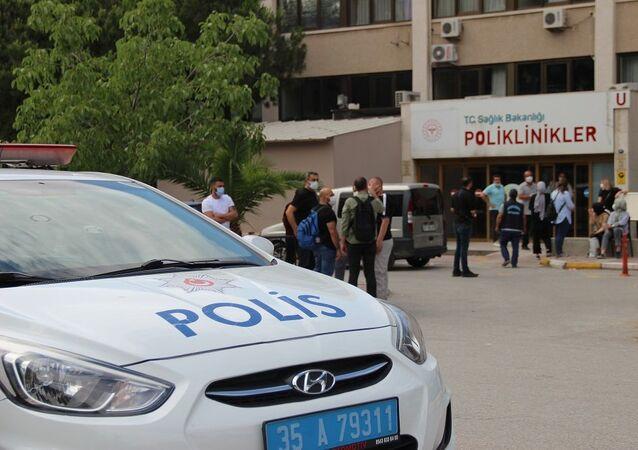 İzmir'de bir sağlık memuru hastanedeki pansuman odasında ölü bulundu