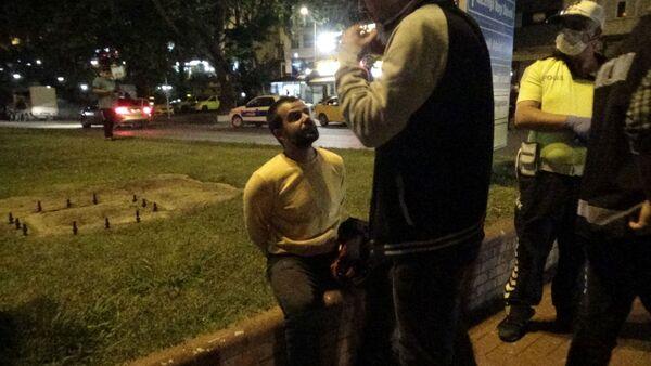 Alkollü sürücü Beni tutuklayın dedi - Sputnik Türkiye