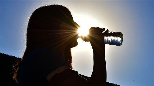 Sıcak hava - yaz ayları, su içmek - Sputnik Türkiye