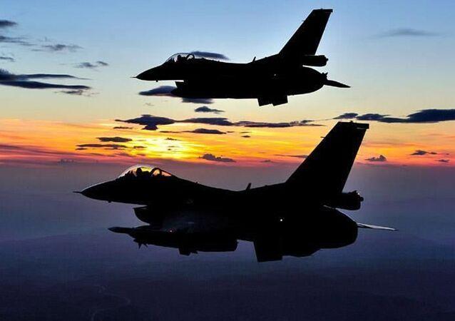 F-16 Türkiye uçak