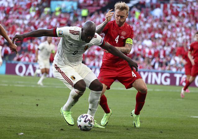 EURO 2020 B Grubu maçında Belçika, Danimarka'yı 2-1 yenerek son 16'ya adını yazdırdı