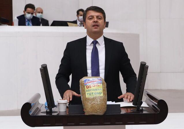 CHP'li Tutdere'den tütüne hapis cezasına tepki