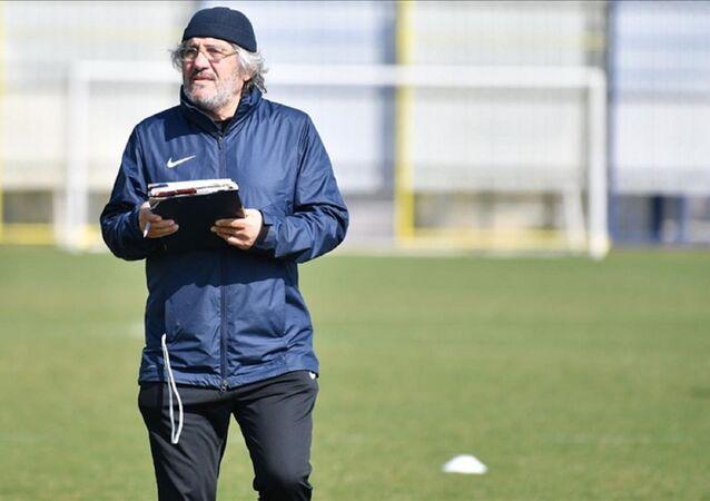 Kocaelispor teknik direktörü Mustafa Reşit Akçay