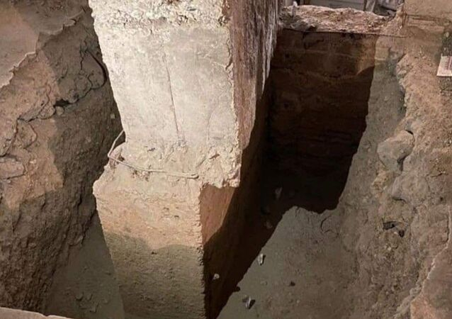 Elazığ depreminde orta hasar alan Fırat Üniversitesi'nde bir binayı güçlendirilmek için kolonları incelendiğinde bir kolonda ciddi bir hata ortaya çıktı.