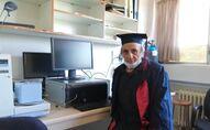 Üniversiteyi 1988'de bırakmıştı: Tekrar başlayıp 67 yaşında mezun oldu