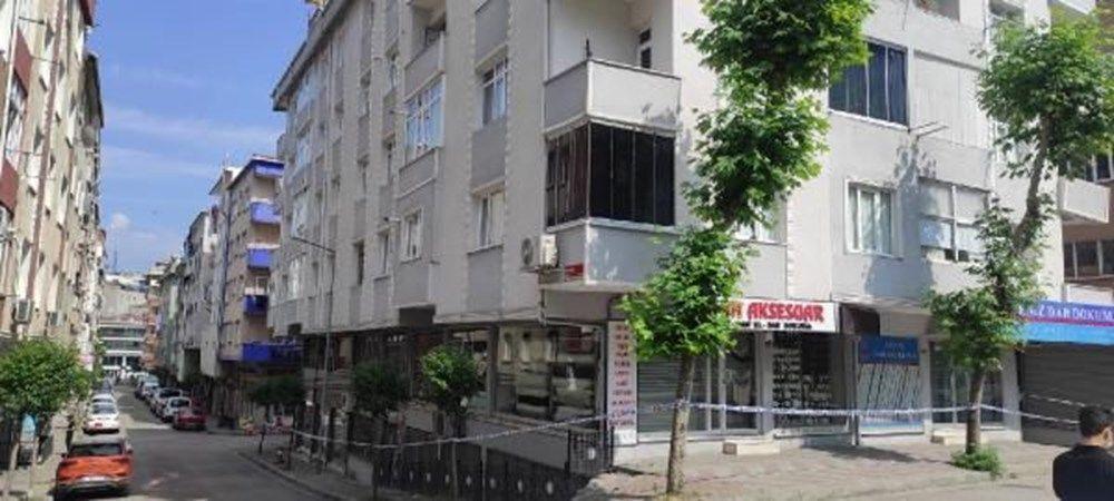 Güngören'de çatlak oluşan 4 katlı bina boşaltıldı
