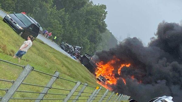 ABD'nin Alabama eyaletindeki I-65 eyaletler arası otoyolda 18 aracın karıştığı zincirleme trafik kazasında 9'u çocuk 10 kişi hayatını kaybetti. - Sputnik Türkiye