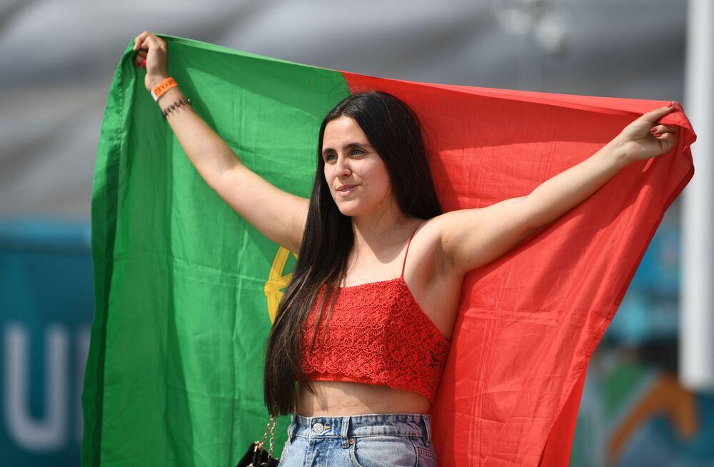 Portekizli kadın taraftar, Almanya-Portekiz maçında