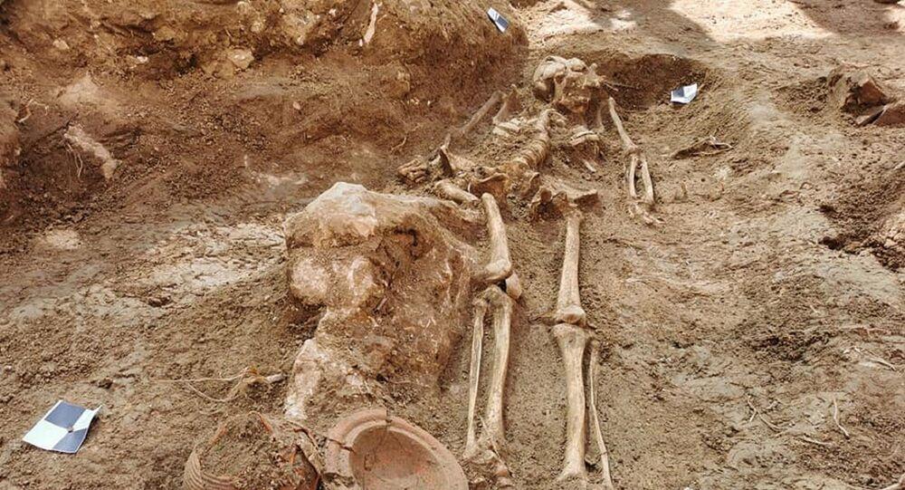Hırvatistan'da çığır açan keşif: Bin 500 yıl öncesine ait çok iyi korunmuş bir mezar alanı ortaya çıkarıldı