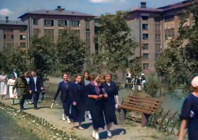 Moskova'nın savaş öncesi görüntüleri renklendirildi
