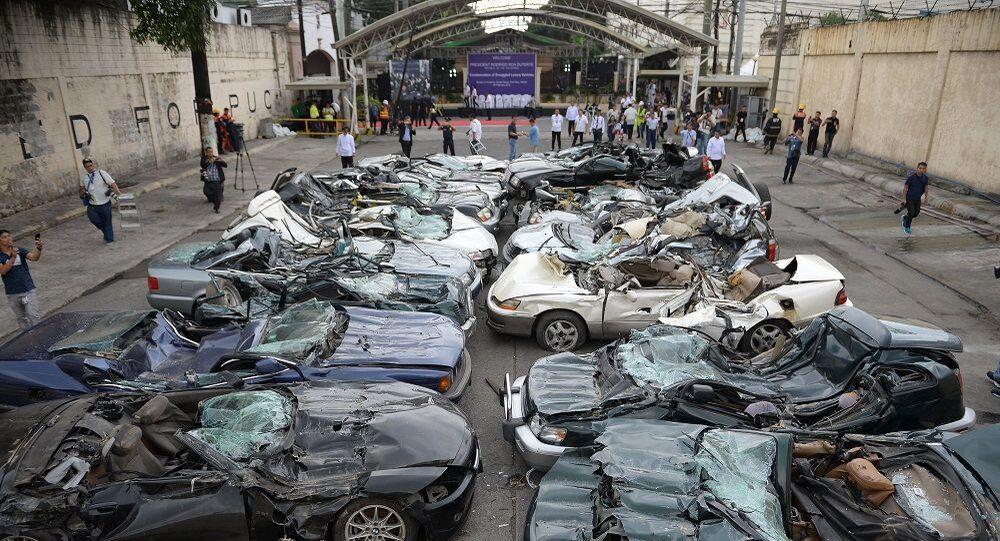 Filipinler lüks araç imha