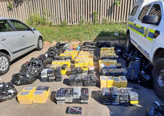 Güney Afrika'da yarım tondan fazla kokain ele geçirildi