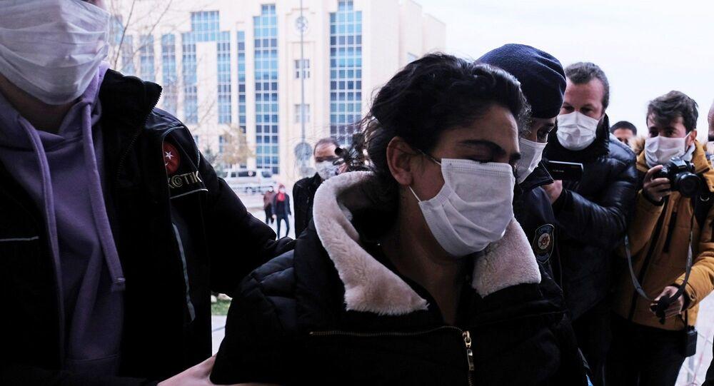 Konya'da Kadir Şeker'in, öldürdüğü Özgür Duran'ın  elinden dayak yerken kurtardığı sevgilisi Ayşe Dırla