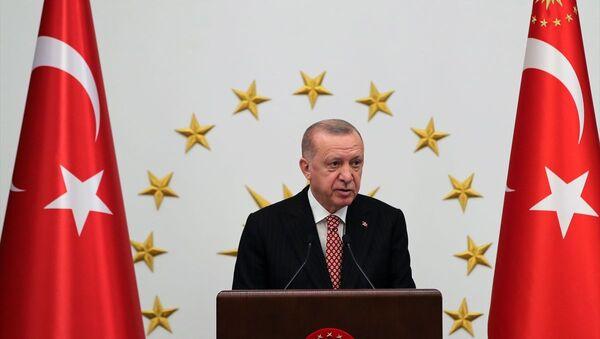 Erdoğan: Belediye başkanlarımızın başarısı 2023'teki seçimlerin sonuçlarını etkileyecek - Sputnik Türkiye