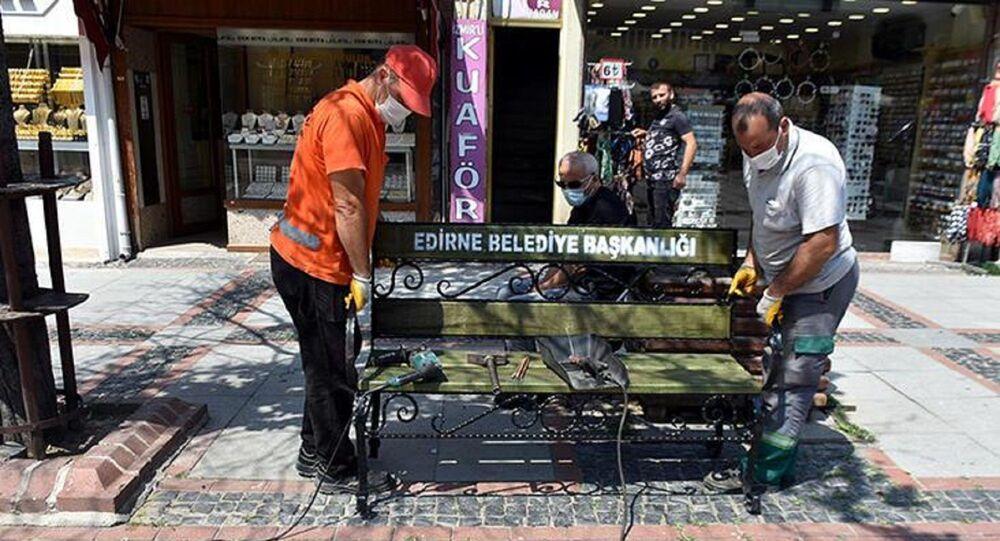 Vaka sayısı düşen Edirne'de banklar yeniden konuldu