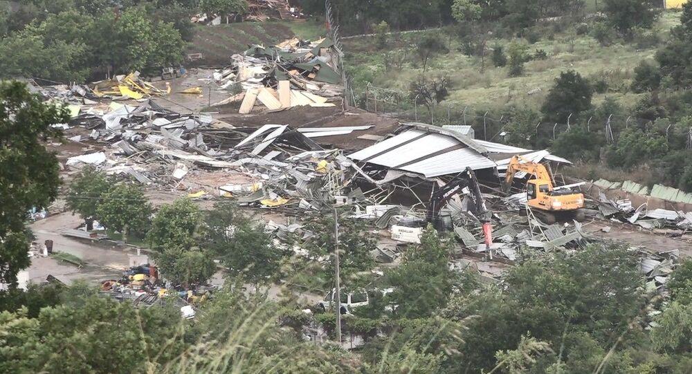 İYİ Parti Grup Başkanvekili Lütfü Türkkan'ın bir kısmı TOKİ arazisine kurulduğu belirlenen kaçak yapılarının yıkımı tamamlandı.