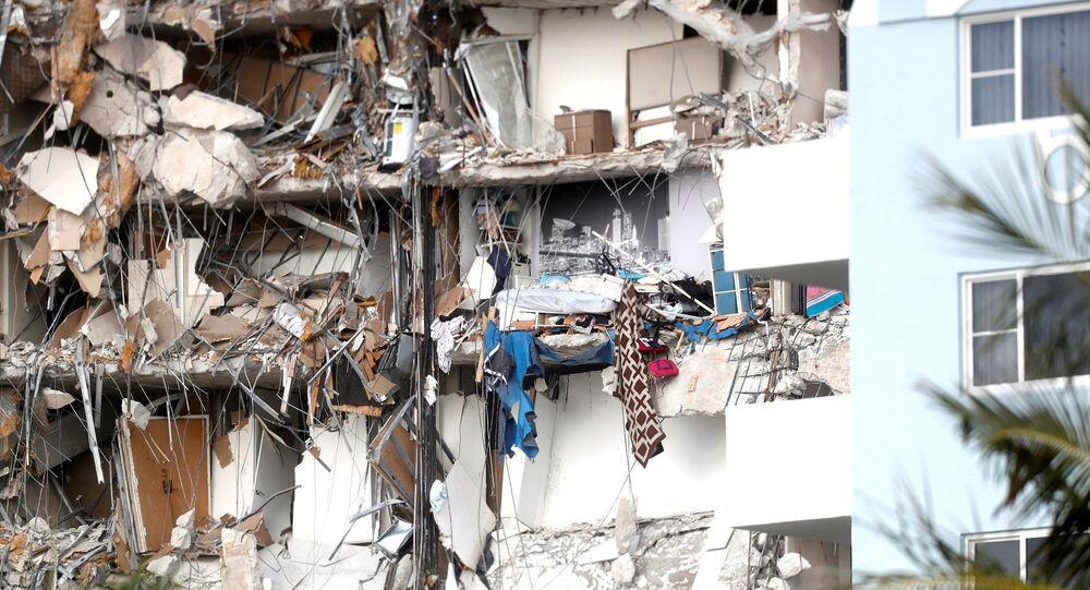 Miami'de çöken 12 katlı bina