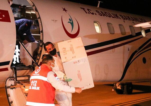 Türkiye'den Kuzey Kıbrıs'a 50 bin doz aşı daha gönderildi